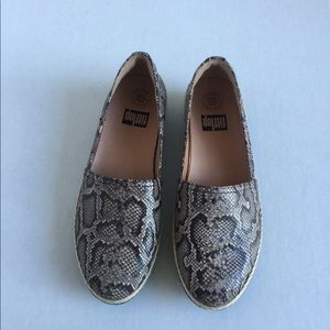 FitFlop brown snake skin design loafers. Size 9.